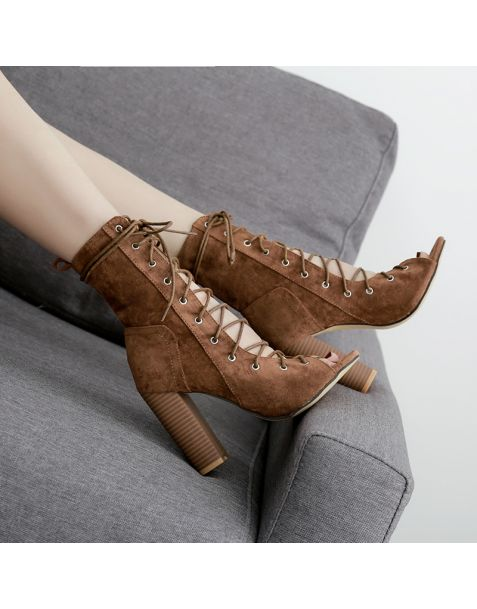 Colisee - Suede Fashion Cross Strap High Heels Sandals